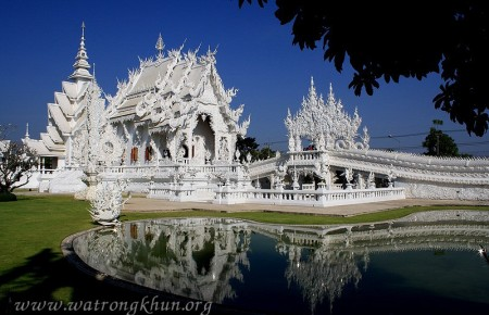 Le temple blanc de Wat Rong Khun, merveille cachée de la Thaïlande