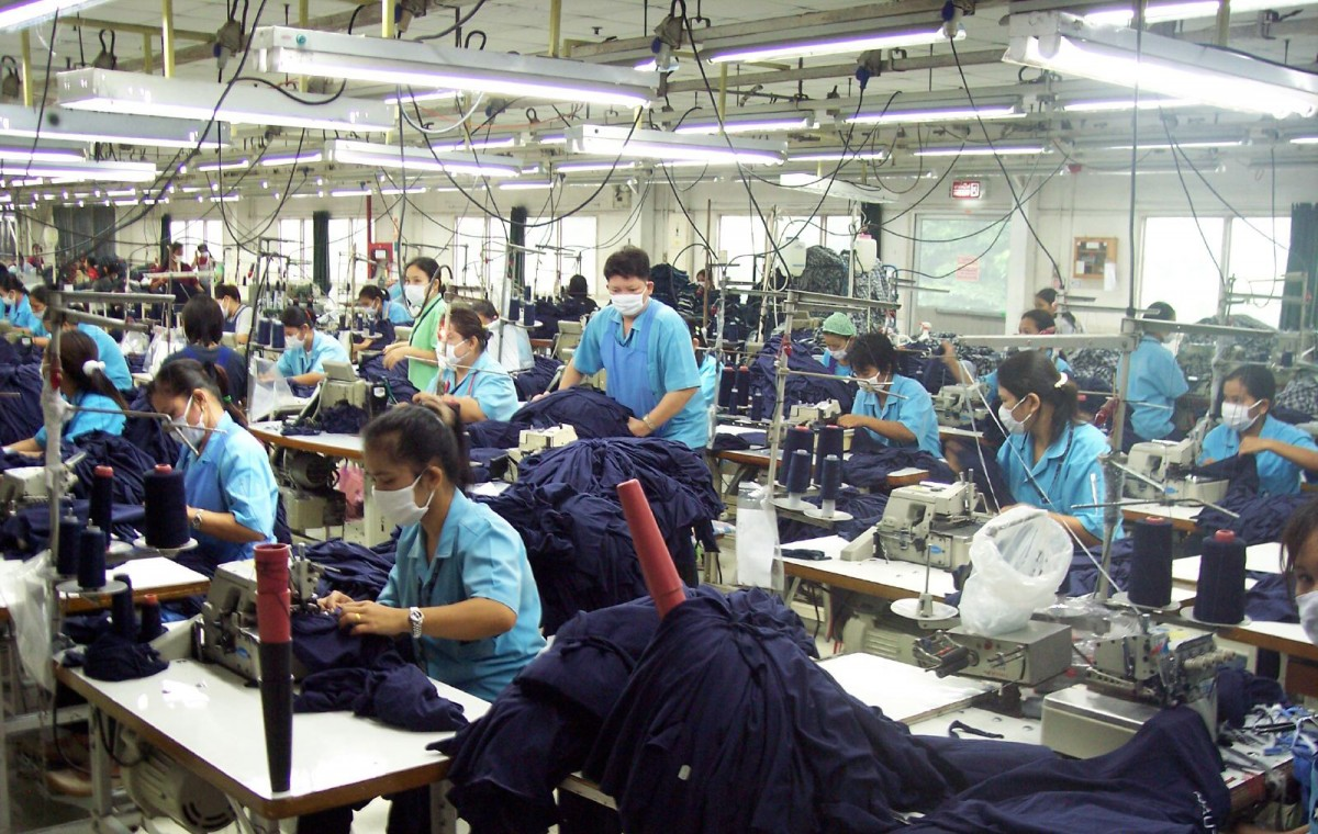 Une croissance thaïlandaise meilleure que prévue en 2015, une estimation à 3,5% pour 2016